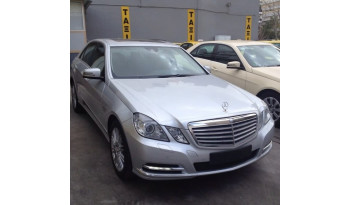 Mercedes-Benz E250 CDI ELEGANCE '12 full