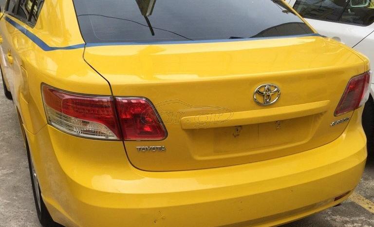 Toyota AVENSIS '11 full